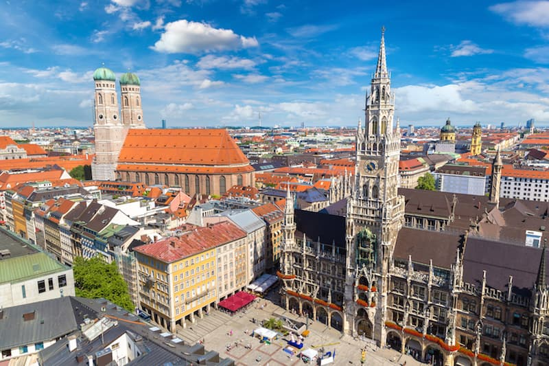 Marienplatz town hall and Frauenkirche, Munich